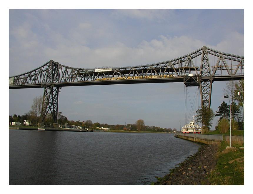 Rendsburger Hochbrücke über den Nord-Ostsee-Kanal
