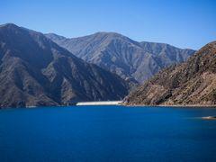 Represa de Potrerillos río Mendoza