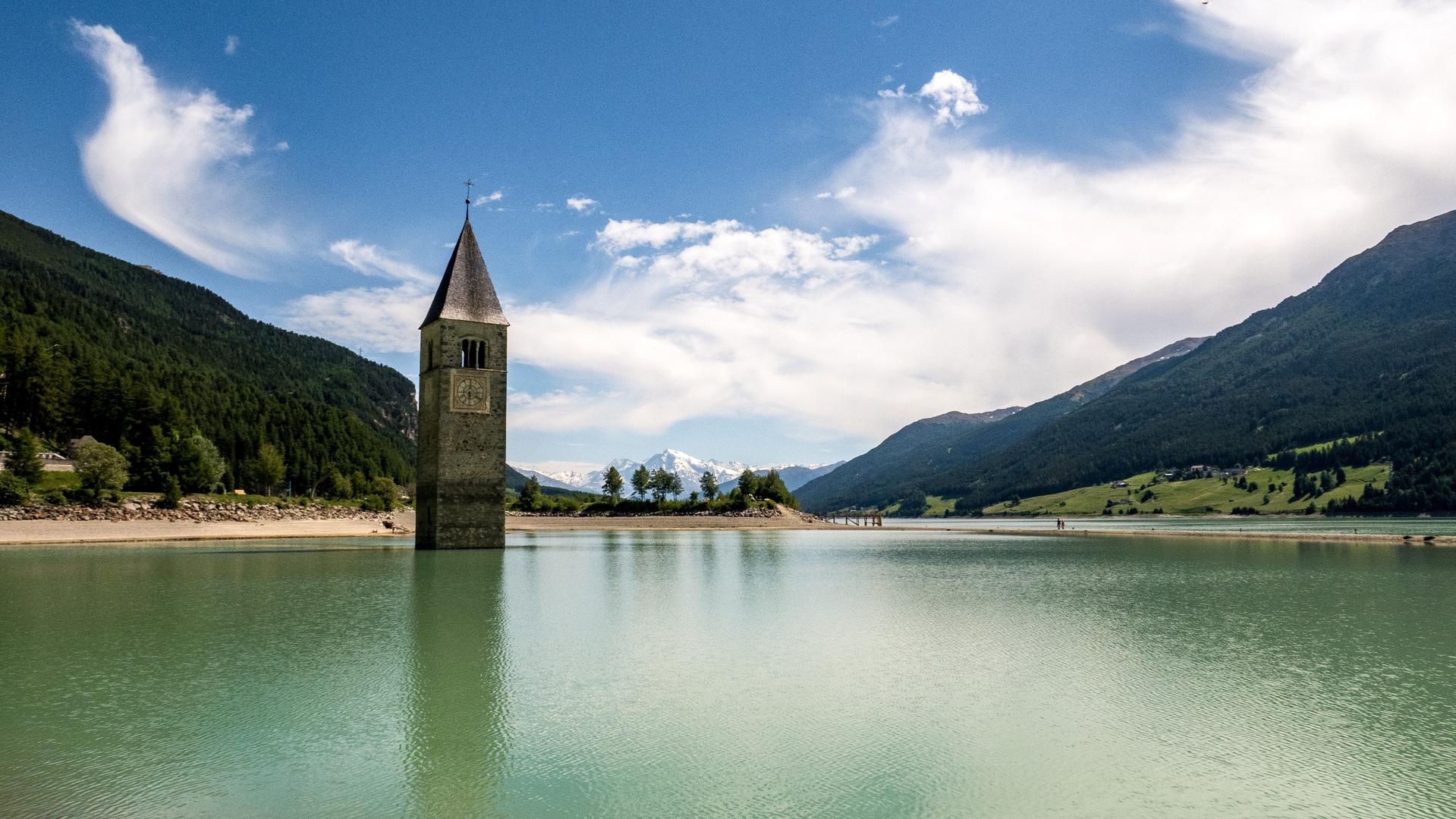 Reschensee mit Alt-Grauner Kirchturm