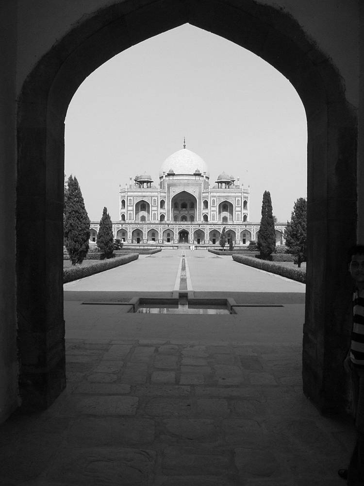 Rest in peace (a tomb in Delhi)
