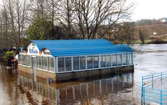Restaurante inundado