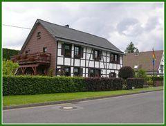 restauriertes Eifelhaus