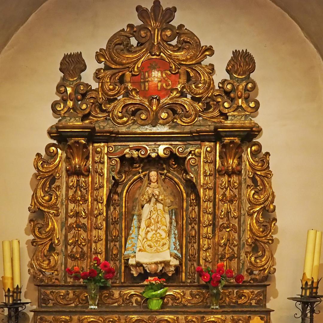 Retable d'une chapelle latérale -- Eglise Sant Corneli y Sant Cebria d'Ordino (Andorre)