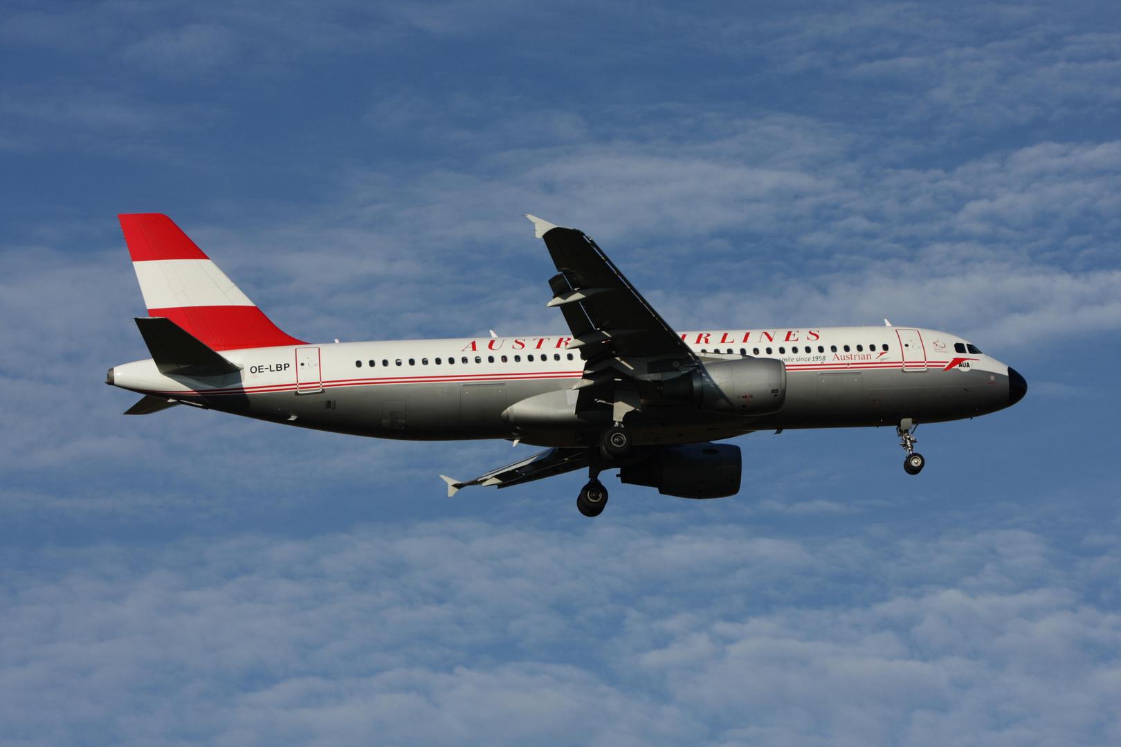 Retro AUSTRIAN AIRLINES Airbus 320-214