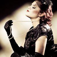 Retro Model Sari - The pin up girl