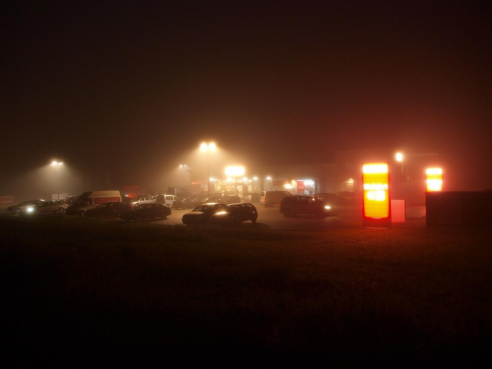 REWE im Nebel