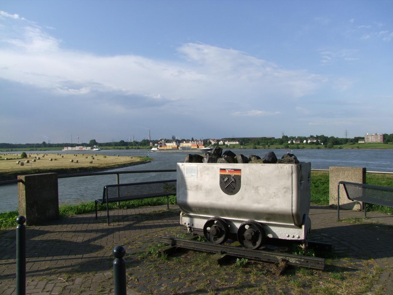 Rhein bei Duisburg-Homberg