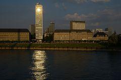 Rhein fängt Sonne