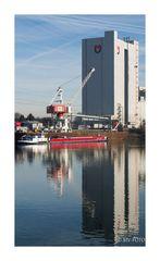 Rhein-Herne-Kanal, Mills United am Stadthafen RE