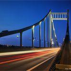 Rheinbrücke Krefeld Uerdingen .....