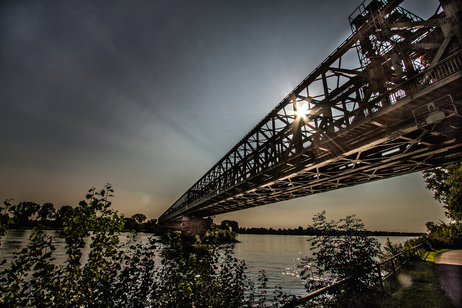 Rheinbrückenlicht