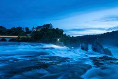 Rheinfall zur blauen Stunde