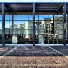 Rheingoldhalle und Rathaus in Mainz