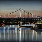Rheinhafen Einfahrt .....