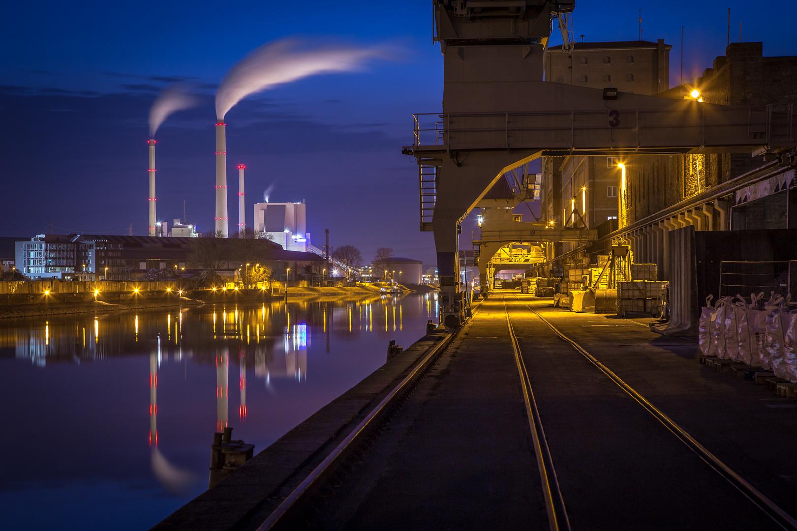Rheinhafen Karlsruhe Spazieren
