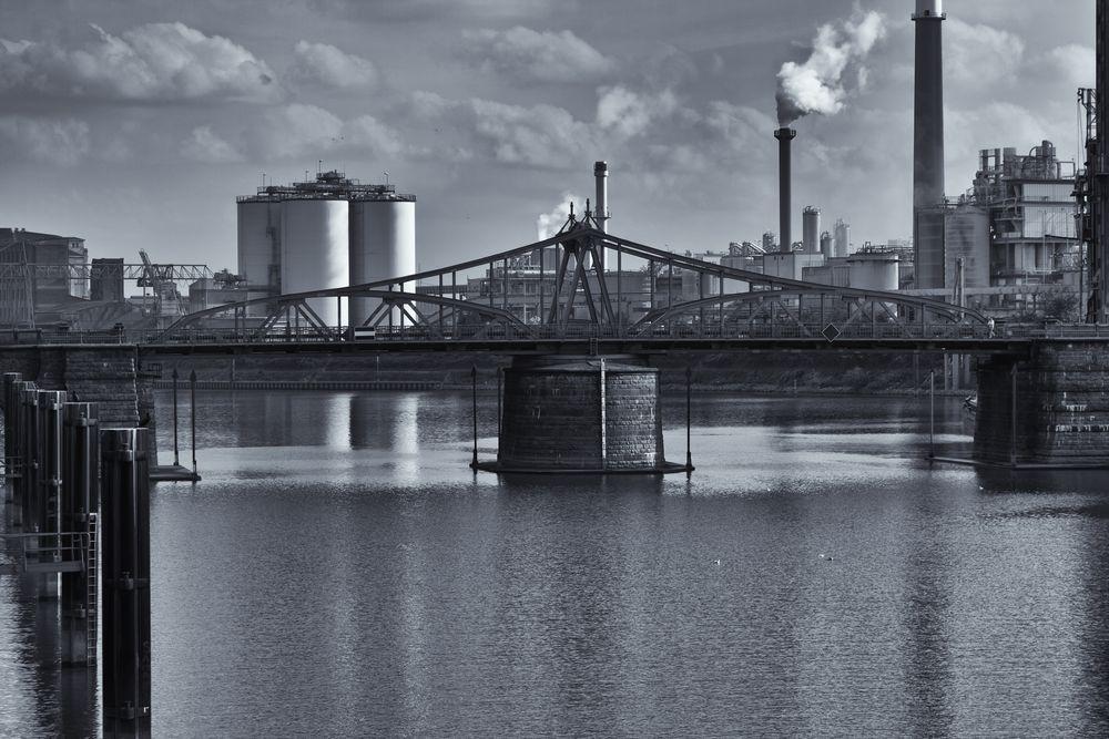 Rheinhafen Krefeld.........