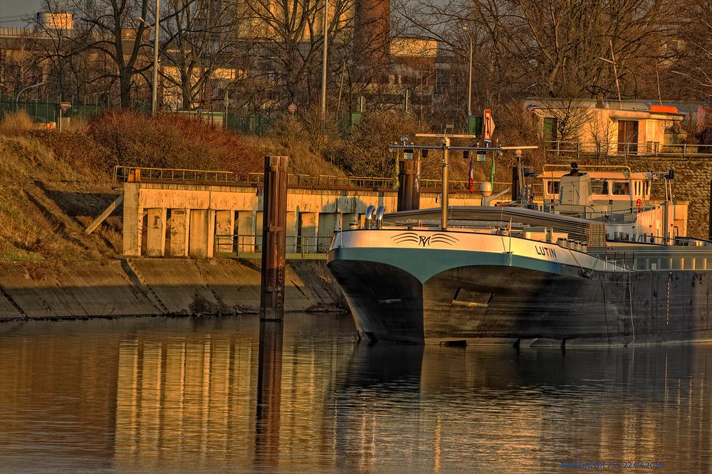 Rheinhafen- Uerdingen / HDR