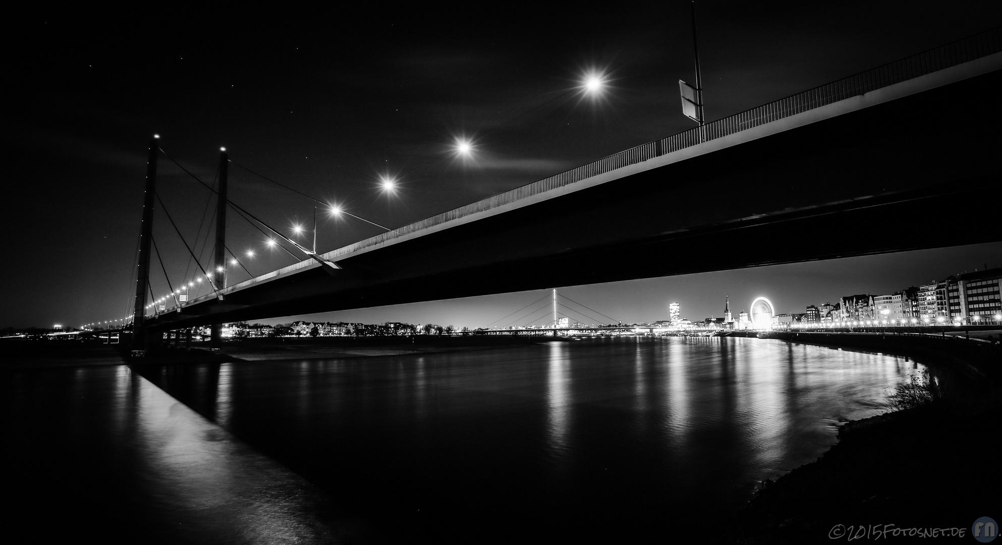 Rheinkniebrücke Düsseldorf + Großer Wagen