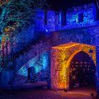 Rheinleuchten 2016 - Burg Lahneck, der Durchgang zum Burgrestaurant