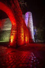 Rheinleuchten 2016 - der Eingang zur Burg Lahneck (2)