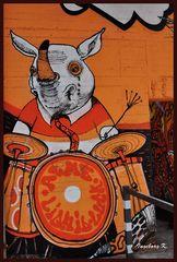Rheinparkcenter Duisburg - Graffiti - Schwein mit Trommel