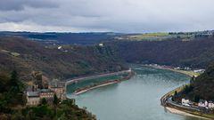 Rheinschleife an der Loreley mit Burg Katz