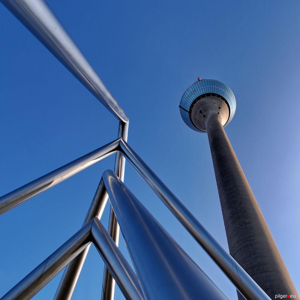 Rheinturm + Energieuhr
