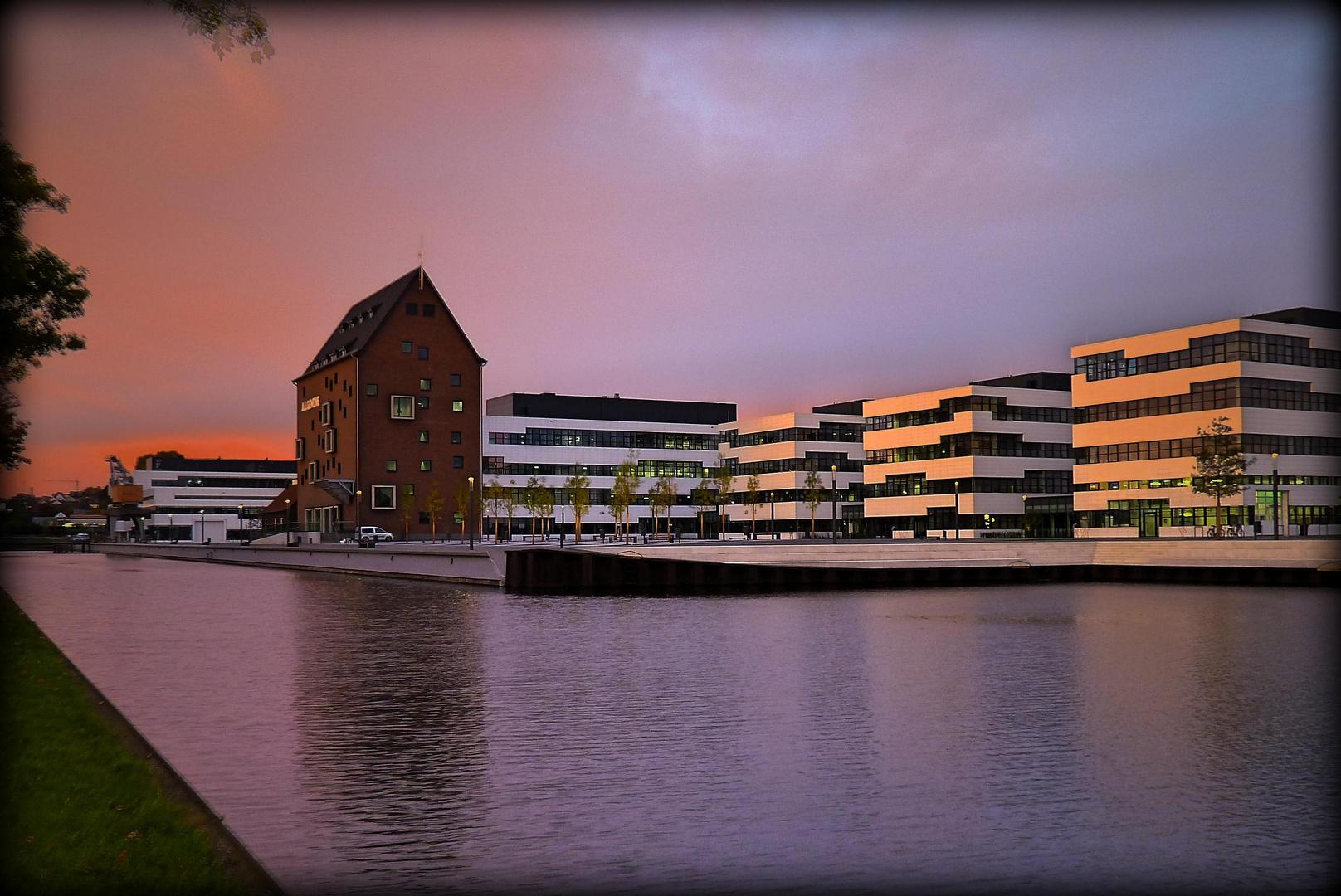 Rhine-Waal University of Applied Sciences at 7:00