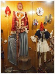 Rhodische Trachten und Folklore