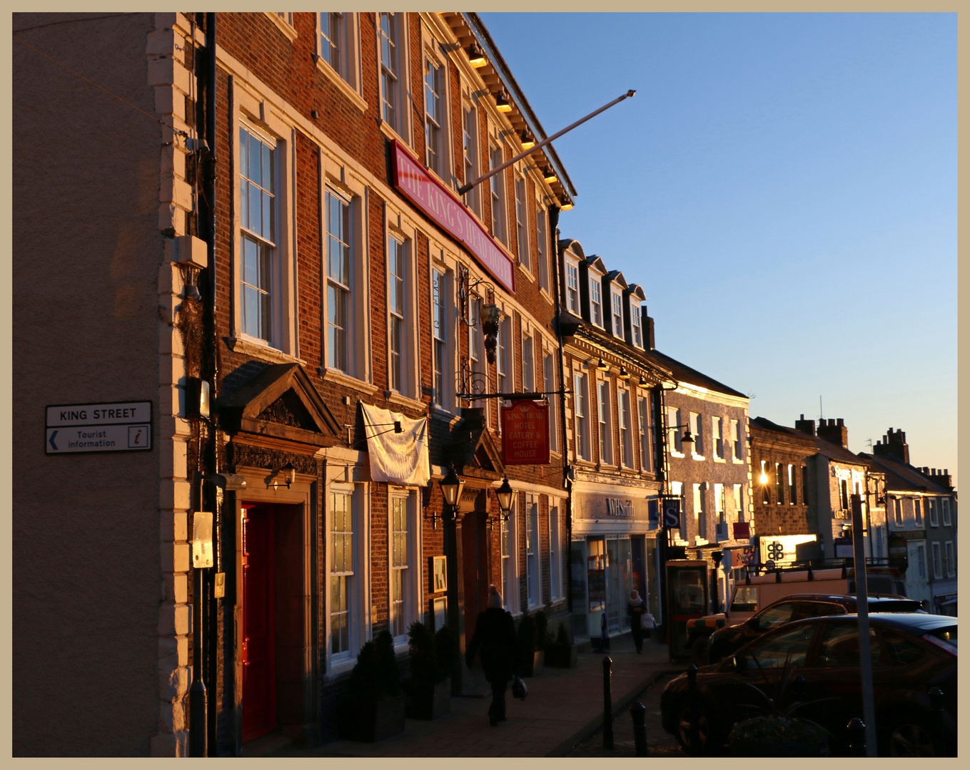 Richmond marketplace early morning
