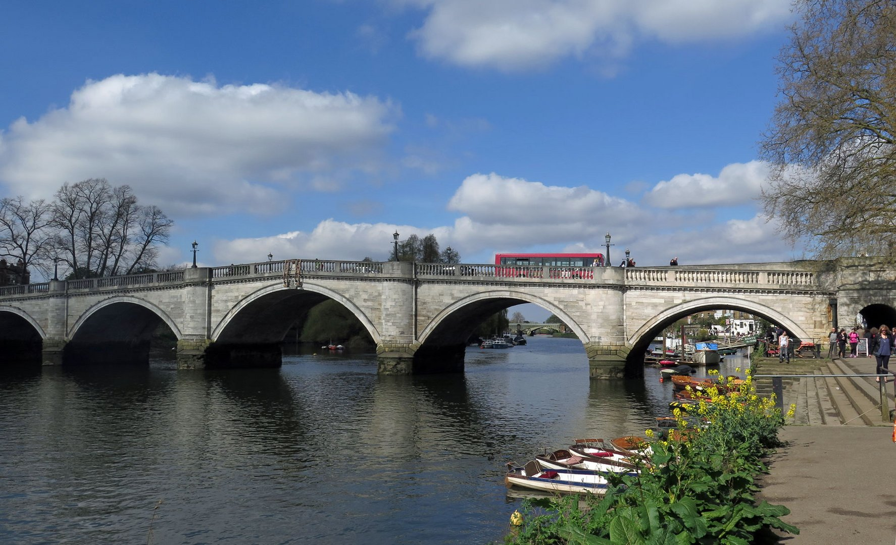 Richmond_Blick-auf-Themse und Richmond-Bridge