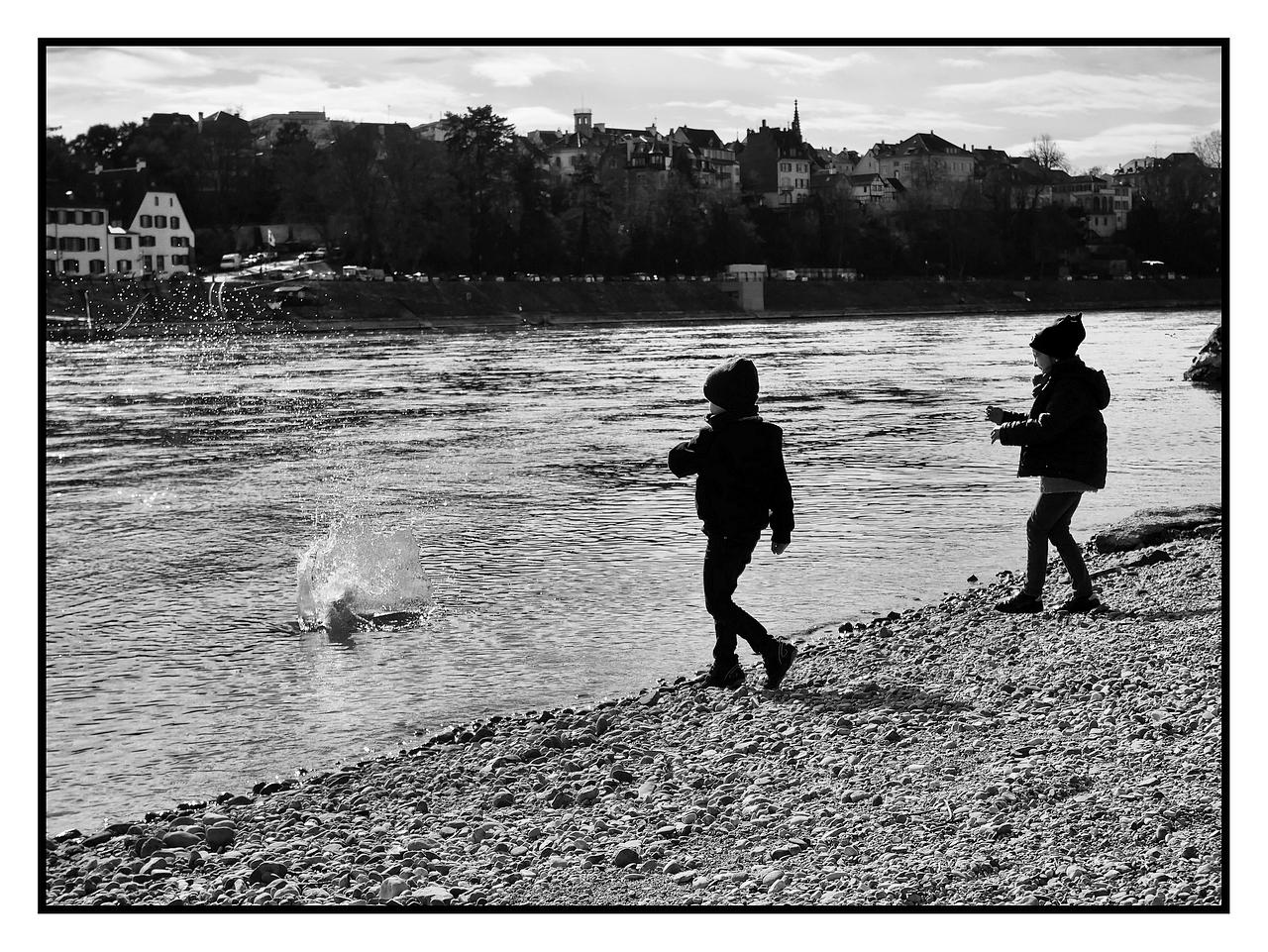 ricochets sur le Rhin.
