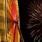 Riesenrad mit Feuerwerk