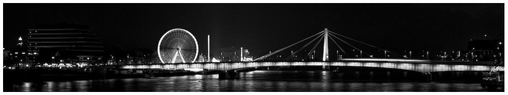 Riesenrad und Brücke