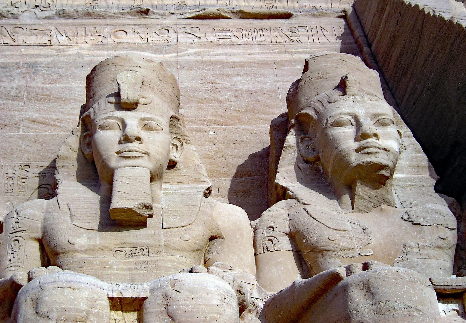Riesenstatuen des Pharao Ramses II