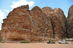 Riesige Granitfelsen im Wadi Rum in Jordanien