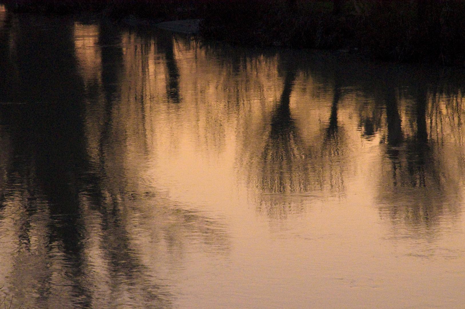"""Riflessi sul fiume """"Foglia"""" alla sera"""