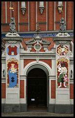 Riga II - Eingang vom Schwarzhäupterhaus