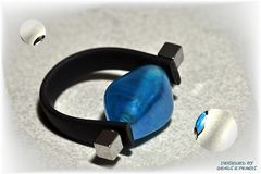 Ring, hellblau