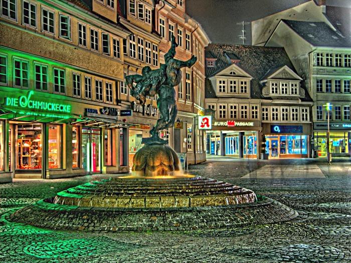 Ringerbrunnen bei Nacht