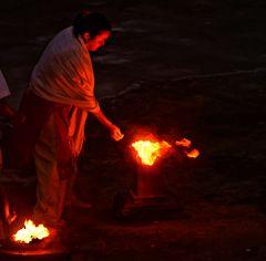 rite de purification par le feu temple hindou de st leu