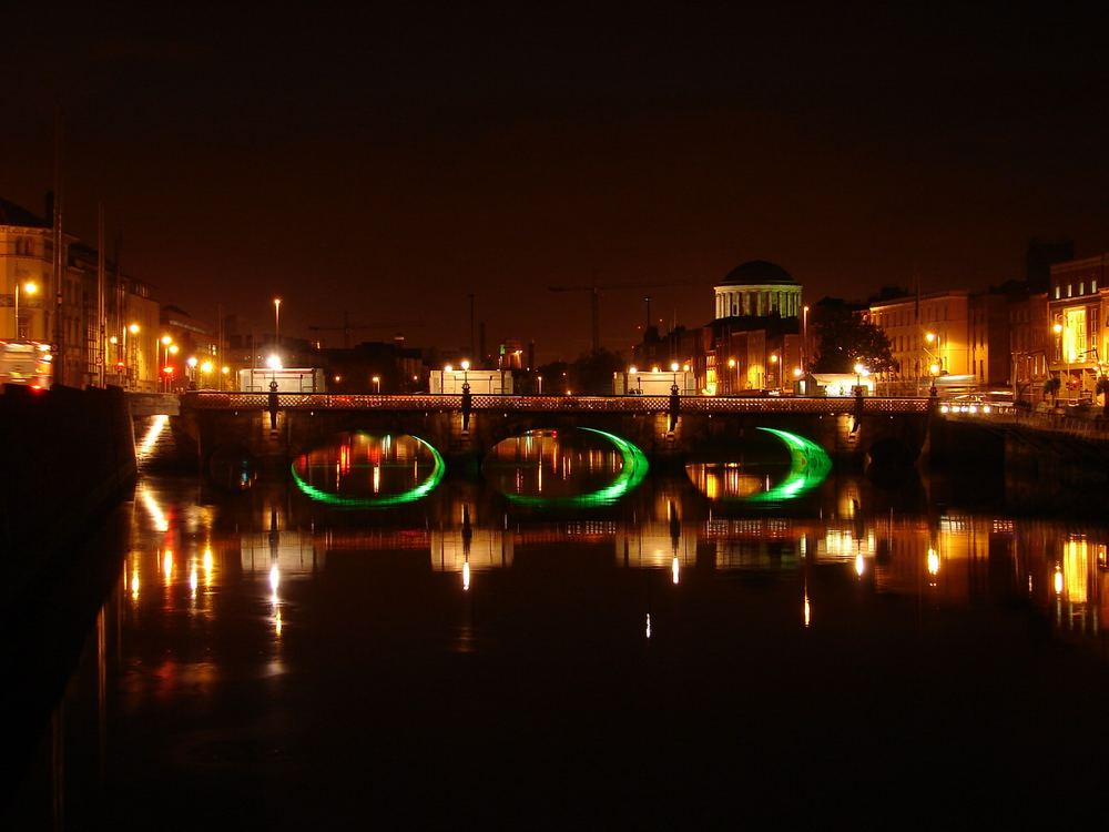 River Liffey at night