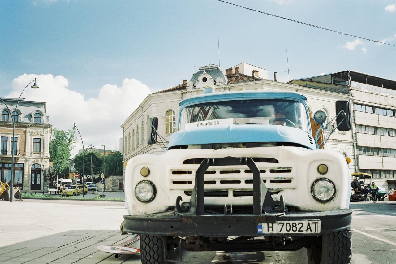 Road maintenance truck