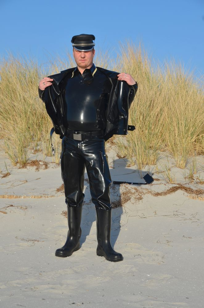 Robert Ott in Latex Outfit