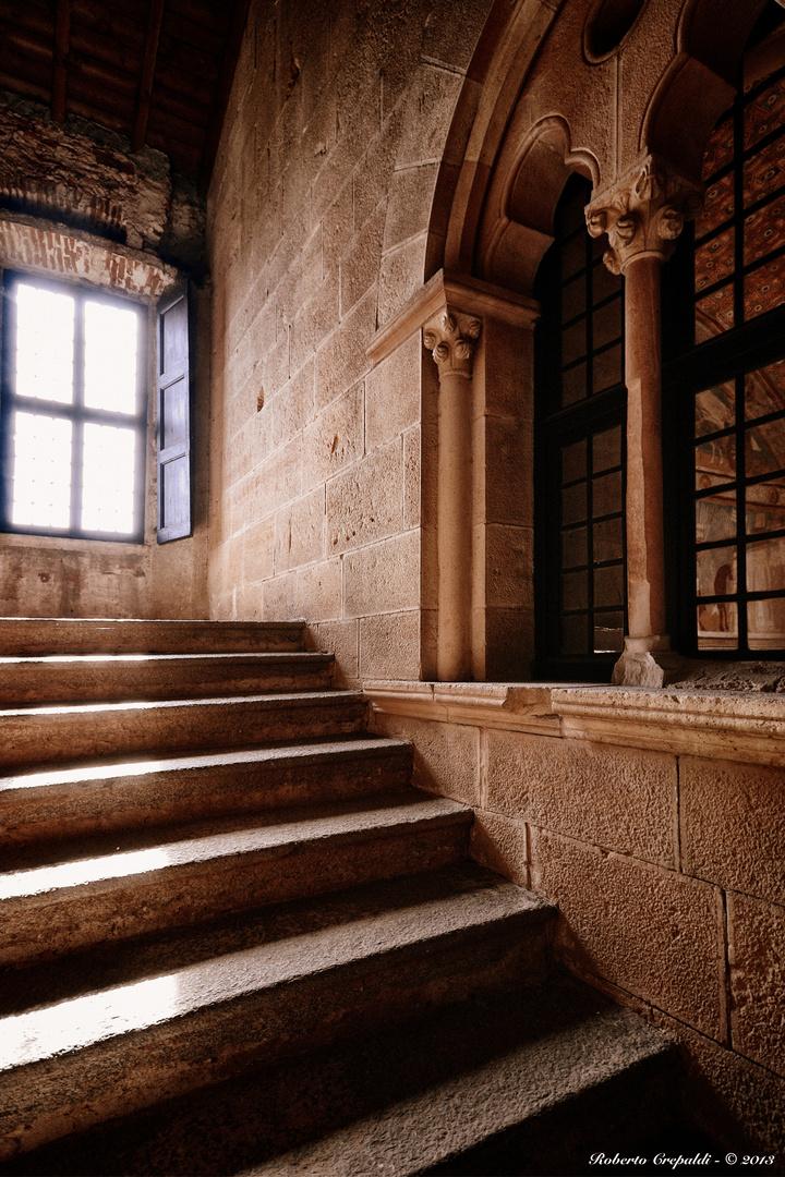 Rocca di Angera, scalinata