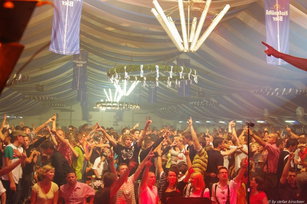 Rocknacht mit Dröhnung auf dem Volksfest in Eichstätt