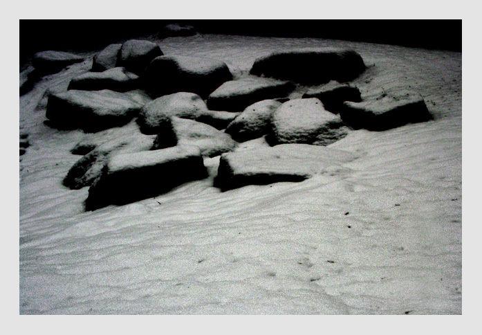 Rocks w Snow