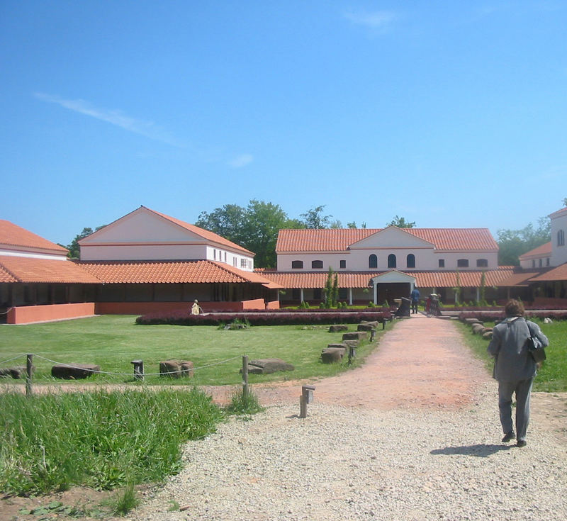 Römisches Herrenhaus (Romanian Bosshouse)