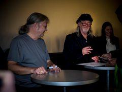 Roger Glover has fun in Düsseldorf