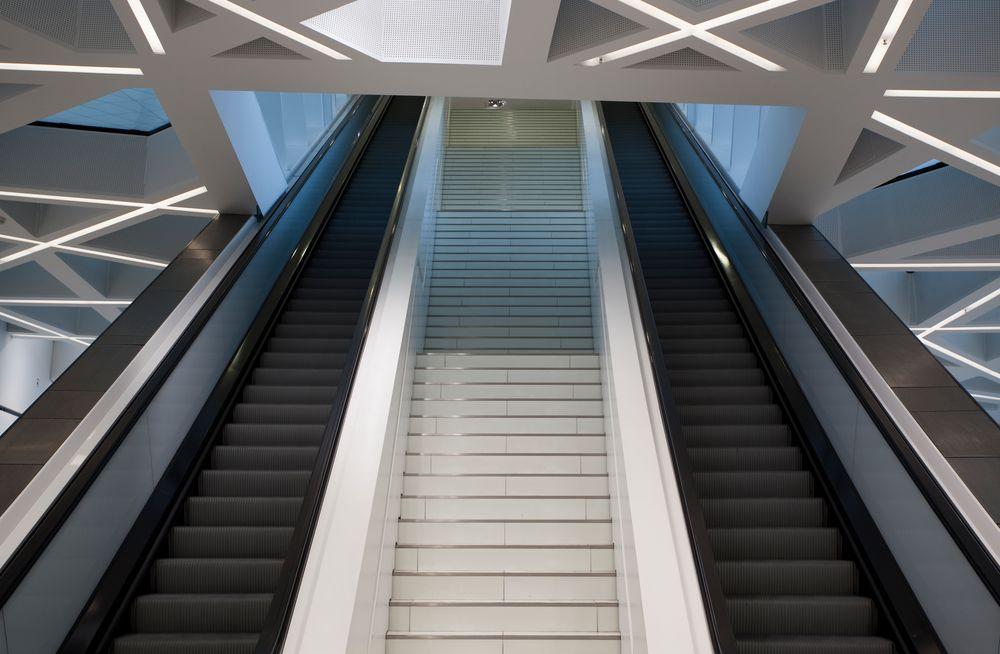 Rolltreppe im Porschemuseum